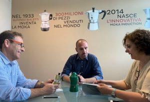 Arsonsisi visita la sede de Bialetti